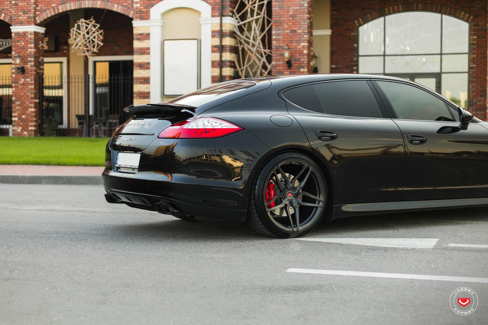 porsche panamera vossen forged hc series hc 2 vossen. Black Bedroom Furniture Sets. Home Design Ideas